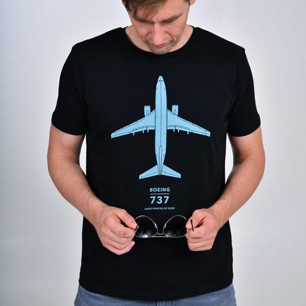 Tričko s letadlem Boeing 737-800 pánské černé